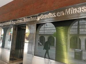 La sede del Colegio de Ingenieros Técnicos de Minas se encuentra en la Avenida Martín Alonso Pinzón de Huelva.