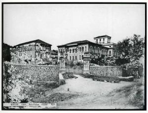 Imagen del Hotel Colón en construcción, en 1882.