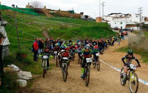 Casi 300 bikers estuvieron presentes en el 9º Rally Villa de Paterna del Campo.