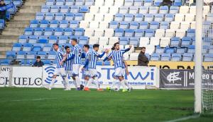 Los jugadores del Recre celebra el gol que hizo posible la victoria. / Foto: Pablo Sayago.