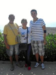 El onubense, acompañado por sus padres en Tarragona.