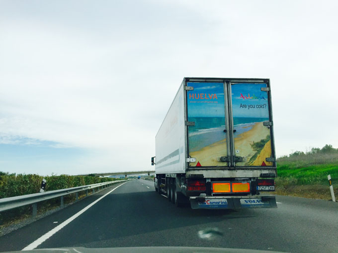 Camiones con la imagen de Huelva recorrerán Europa durante la campaña fresera