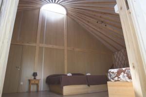 Interior de una yurta.
