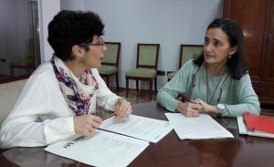 Reunión de la subdelegada Gobierno y de la jefa de la Unidad de Violencia de la Mujer.