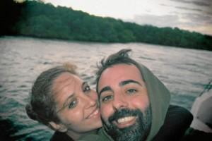 Con su pareja, Silvia, en un reciente viaje por Indonesia.