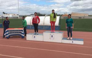 Los tres ganadores de cada prueba tanto masculina como femenina, recibieron una medalla.