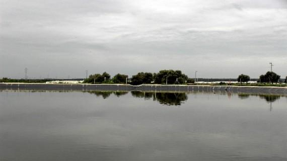 El agua, ese recurso imprescindible que pide sostenibilidad, una clave en la economía onubense