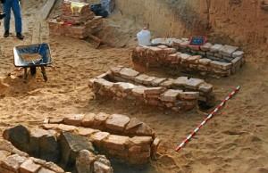 Conjunto de tumbas halladas en este yacimiento puntaumbrieño. / Foto: Juan Campos.