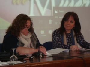 María Sánchez, embajadora de mujeres poetas internacionales y coordinadora del Festival y Ana Deacracia, coordinadora del Festival en Moguer.