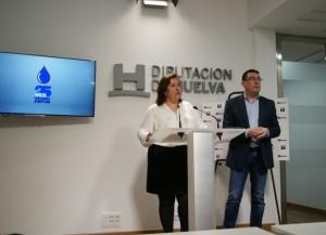 Laura Pichardo con su antecesor en el cargo, Manuel Domínguez.