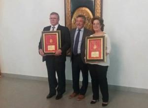 Manuel Molins y Carmen Marín recibieron las Medallas al Mérito Profesional del Colegio de Enfermería de Huelva.