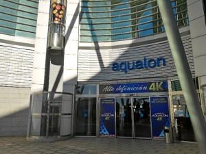 Entrada al centro comercial Aqualon