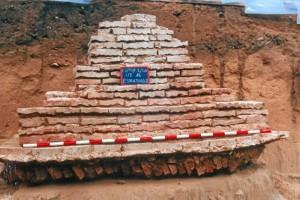Monumento funerario aparecido en 'El Eucaliptal'.