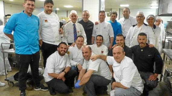 Una veintena de reconocidos chefs de la provincia de Huelva cocinan para los pacientes de los hospitales