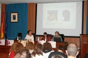 Un momento de la celebración de ciclo de conferencias 'La doble orilla: poetas españolas e hispanoamericanas del siglo XX'.