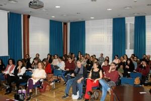 Gran asistencia de público al primero de los actos celebrados con motivo del Día Internacional de la Poesía.