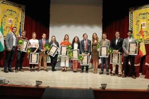 Foto de familia con los galardonados en la edición pasada.