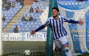 El Recre confía en el olfato goleador de Antonio Domínguez para el choque en Linares. / Foto: Pablo Sayago.