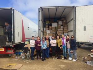 El camión lleva 5.000 kilos de ayuda humanitaria.