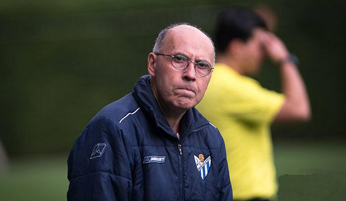 Antonio Toledo, entrenador del Sporting, tiene claro que la competición no puede reanudarse y debe declararse desierta.