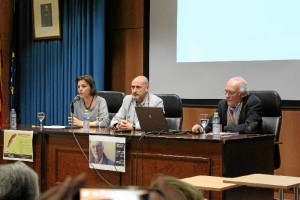 Un momento de la conferencia pronuciada por Casto Márquez en la UHU.