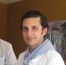 Manuel Tirado, de Catering el Auditorio, comparte con la gente grandes momentos de felicidad en sus vidas.