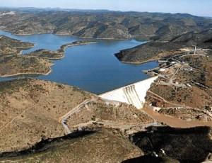 El embalse del Chanza es uno de los de mayor capacidad de la provincia. / FOTO: www.panageos.es.
