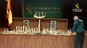 Piezas elaboradas en marfil intervenidas por la Guardia Civil.