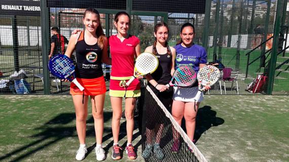 Los deportistas de la Fundación 25 de Marzo acumulan experiencia en el Circuito de Menores Andaluz de Pádel
