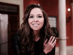 Hacer feliz a la gente es un objetivo principal de la cantante Rocío Márquez.