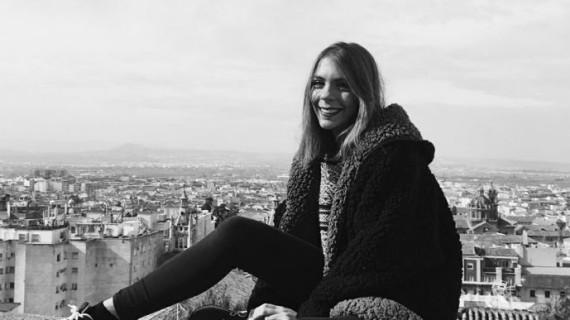"""La joven onubense Sara Flores consigue que la RAE revise la definición de 'sexo débil' como """"conjunto de las mujeres"""""""