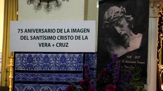 Bollullos acoge una exposición con motivo del 75 aniversario de la imagen del Cristo de la Vera+Cruz