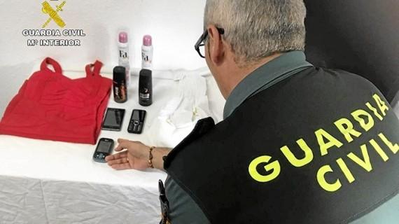 Detenida una mujer relacionada con varios hurtos llevados a cabo en comercios en la localidad de Ayamonte