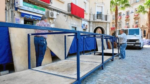 Reparados los destrozos provocados en quince palcos de la Plaza de las Monjas de Huelva a causa de un camión