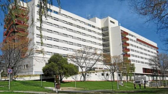 Llamamiento a la calma por los casos en estudio en el Infanta Elena y el Juan Ramón Jiménez de posible coronavirus