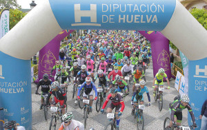 Momento de la salida de la Huelva Extrema de este año.