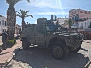 El fin de semana la feria cuenta también con una muestra de vehículos militares.