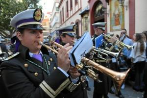 La Banda de Cornetas y Tambores Santísimo Cristo de la Expiración en 2017 acompañando al Santísimo.