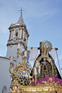 La procesión hace su salida desde La Concepción. / Foto: Manu Rodríguez.