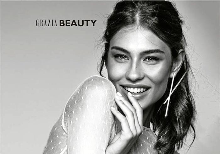 Holea inaugura su campaña 'Quiérete bien' con un encuentro de influencers de moda, como la onubense Carmen Santacruz