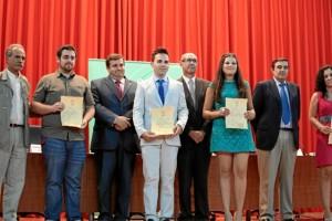 El profesional recibió el Premio Extraordinario Fin de Carrera.