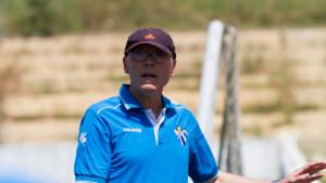 Antonio Toledo, entrenador del Sporting, espera que su equipo mejore las prestaciones fuera de casa.