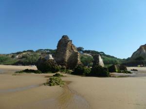 Otra perspectiva de los restos de la torre. / foto: José Luis Perera Moreno.