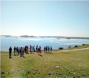 Un momento de una excursión con sus alumnos franceses en la marisma de Bages, en Narbona.