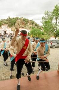 No faltó la tradicional Danza de las Espadas. / Foto: Emilio Romero.