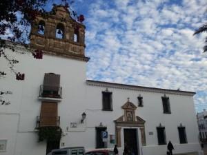 Fachada del antiguo convento del Carmen de Trigueros.