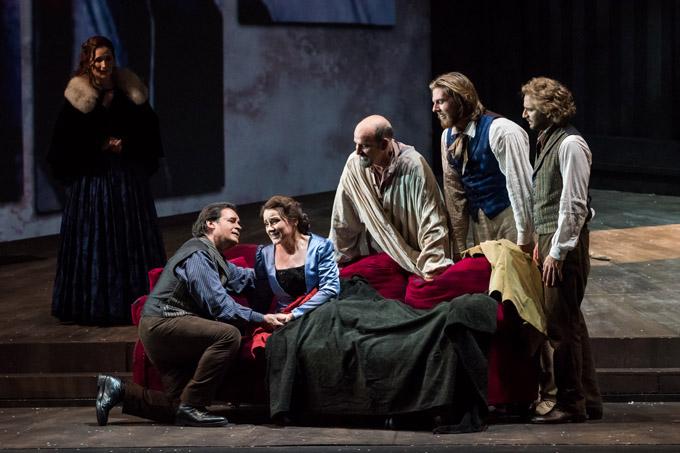 'La Boheme' de Puccini cierra la programación del Maestranza con el bollullero David Lagares entre sus intérpretes