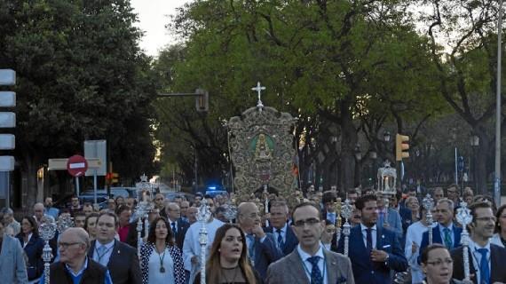 El Simpecado de la Hermandad del Rocío de Huelva es trasladado a la Concepción