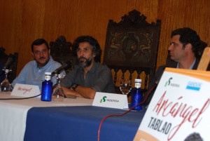 Arcángel ha presentado el concierto en rueda de prensa.
