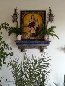 Azulejo de la Virgen del Carmen situado en el interior del antiguo convento, hoy centro cívico.